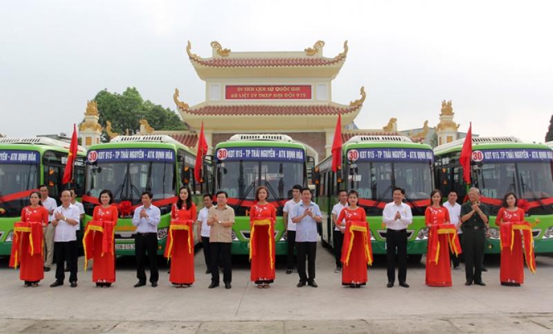 Công ty CP Thương mại và Du lịch Hà Lan khai trương tuyến xe buýt số 30 nối các điểm di tích