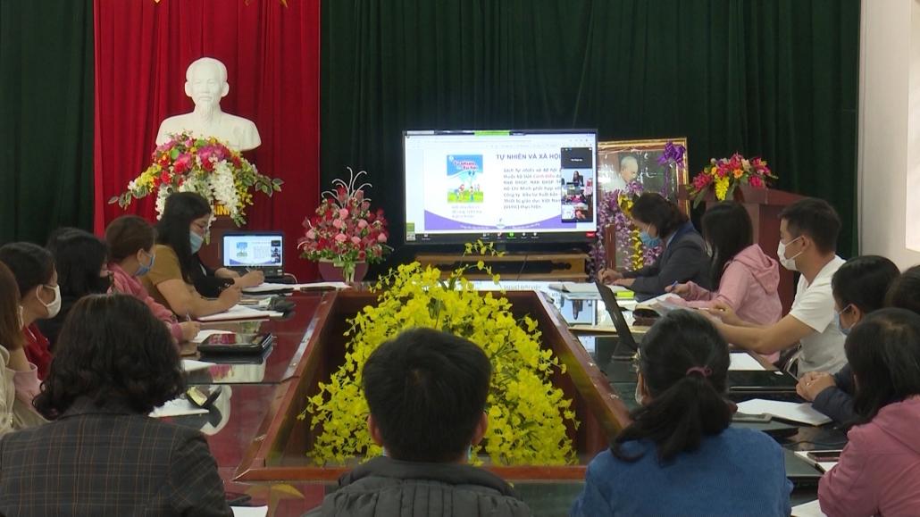 Gian nan dạy học trực tuyến cho học sinh vùng cao