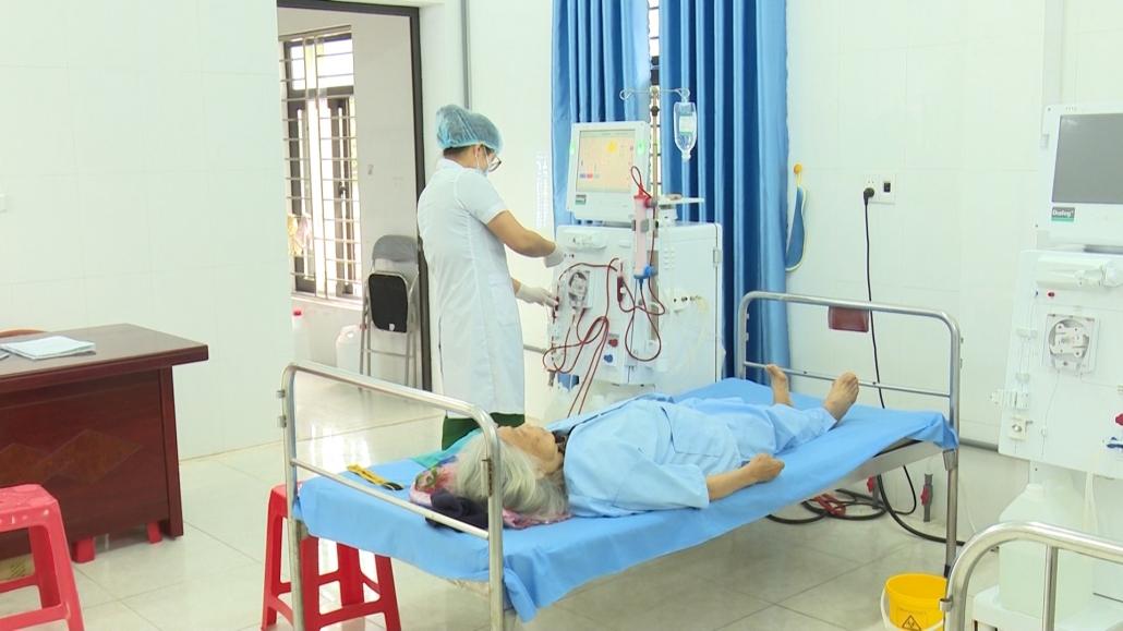 Kỹ thuật chạy thận nhân tạo tại tuyến huyện giảm bớt gánh nặng cho người bệnh