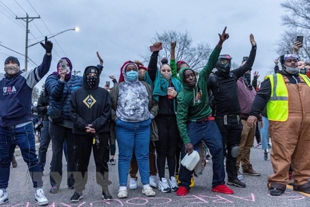 Biểu tình phản đối phân biệt chủng tộc lại nổ ra trên nước Mỹ