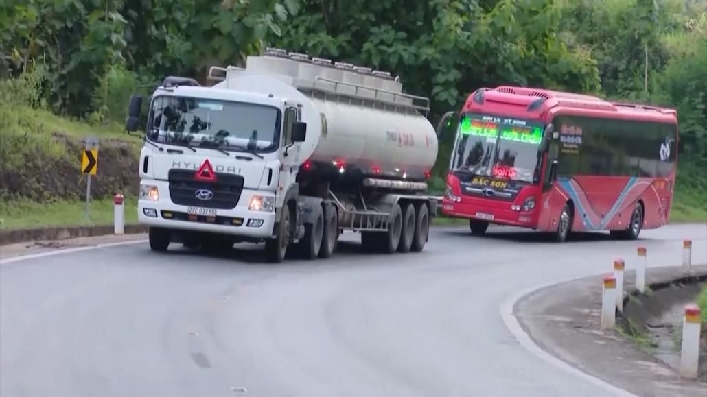 Giảm phí đường bộ hỗ trợ kinh doanh vận tải