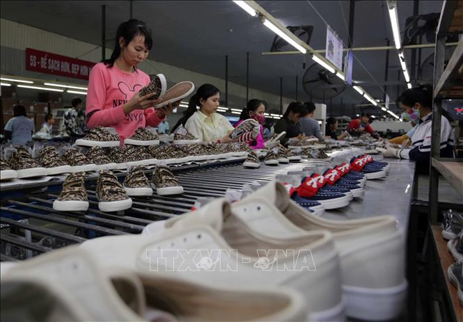 AMRO: Kinh tế Việt Nam sẽ tăng trưởng 7% trong năm 2021