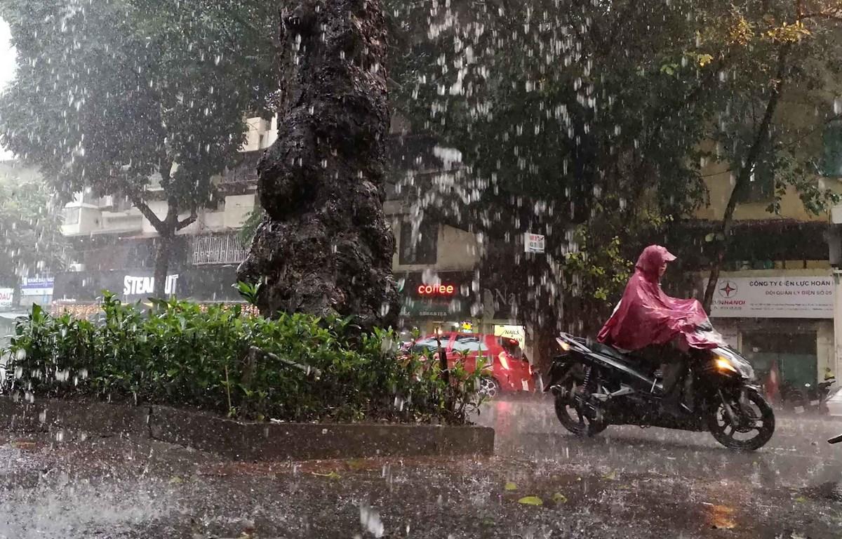 Từ ngày 5-14/5, các khu vực trên cả nước mưa dông, đề phòng thời tiết nguy hiểm